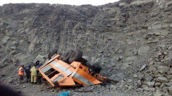 Прокуратура начала проверку после аварии автобуса с рабочими в Кузбассе